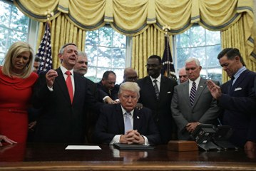川普宣布提前國家祈禱日-3月15日