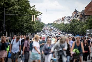 【德國疫情】柏林5千人反封锁街头抗议 警民爆冲突逾600人被捕